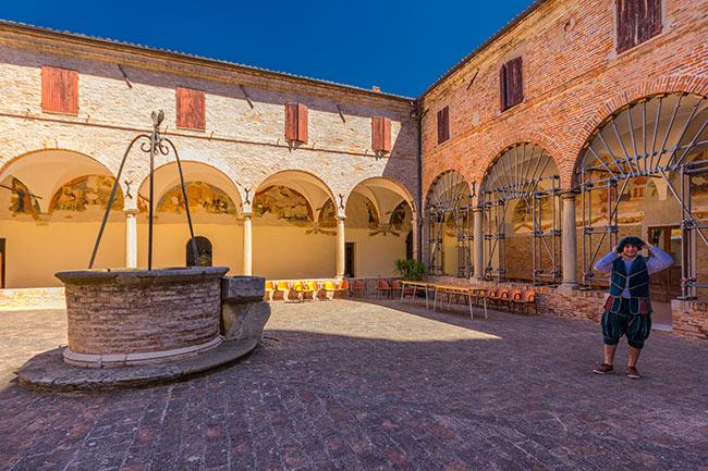 Chiostro del complesso Monumentale di Sant'Agostino