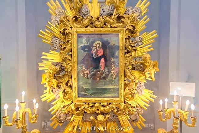 Montecassiano - Chiesa San Giovanni Battista - Macchina processionale con dipinto raffigurante la traslazione della Santa Casa a Loreto